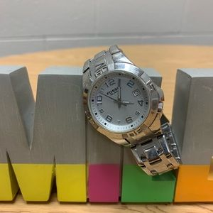 Men's Fossil Watch (see photos), needs new battery
